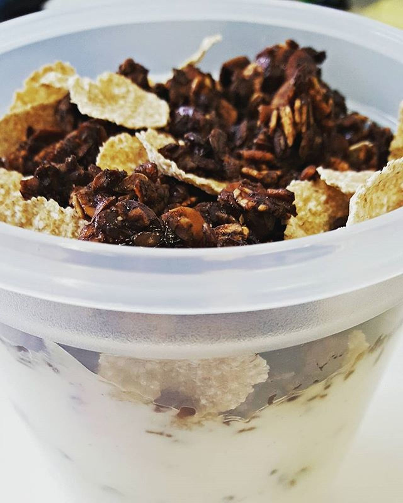 Here's my granola as an all day snack for work, packed with all the macros! 💪 Snack Granola Togo Homemade Coffee Chocolate Soy Blogger_LU Delicious Food Foodporn Munchdown Fyet Munchies Fat Chefsofinstagram Yumm Carbs Oats Nuts Protein Macros Lifestyle Lifestyleblogger Love favorite healthylife healthyfood healthychoices