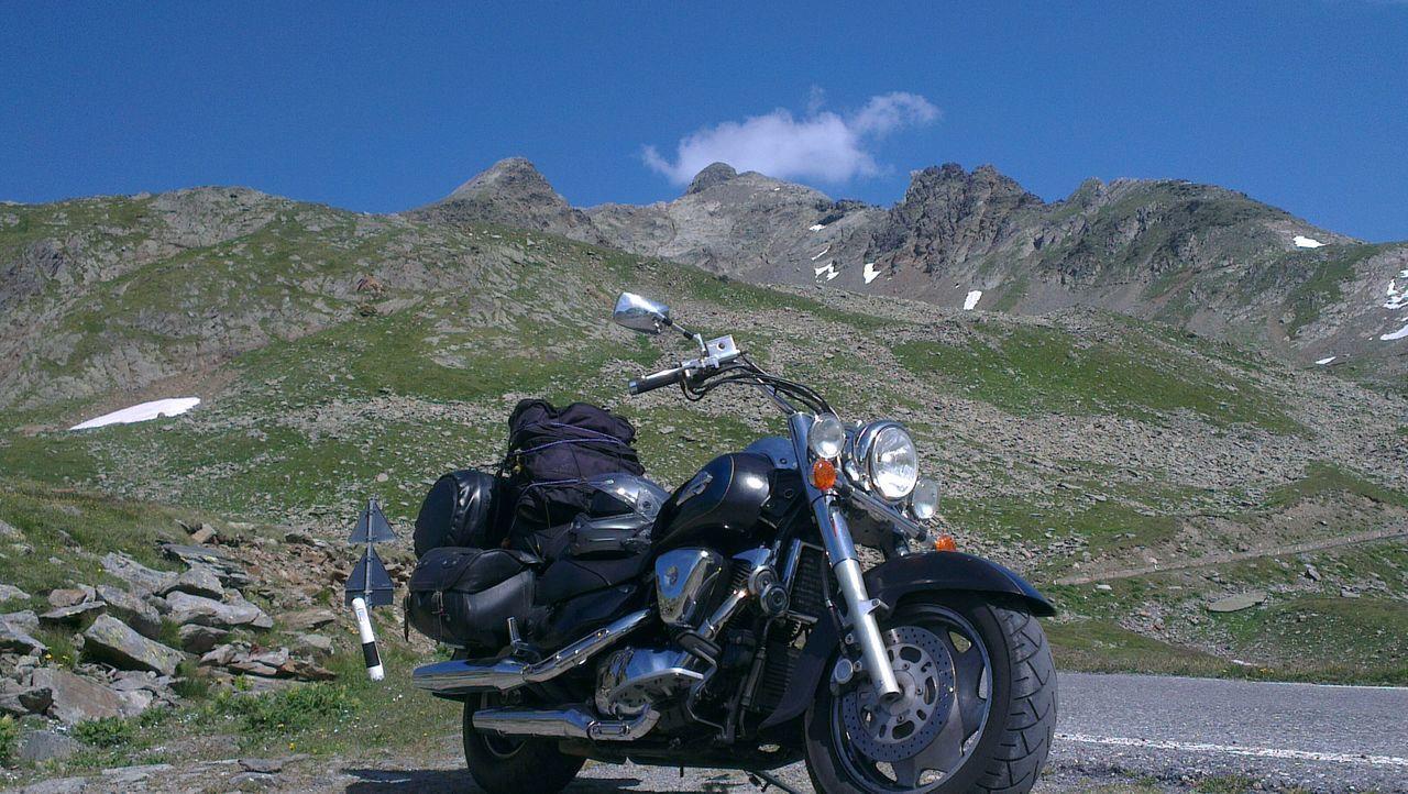 My motorbike to gavia pass italy Fotoitaliane On The Road Born To Be Wild Mybike Suzuki Intruder Vl1500lc Gaviapass Mountain Landscape