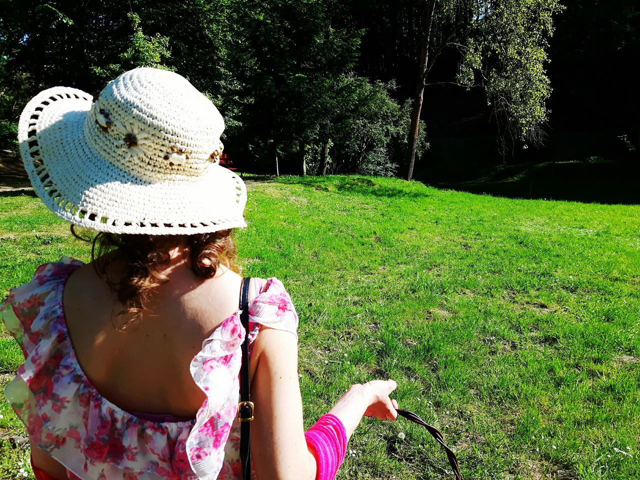 Picnic girl Hat Sun Hat One Person Grass Summer One Woman Only Outdoors Headshot One Young Woman Only Beauty Tree Water Growth Sunlight Freshness Real People Nature Day Grass Leisure Activity Tranquil Nature Scene Picnic Woman Back Weekend The Great Outdoors - 2017 EyeEm Awards