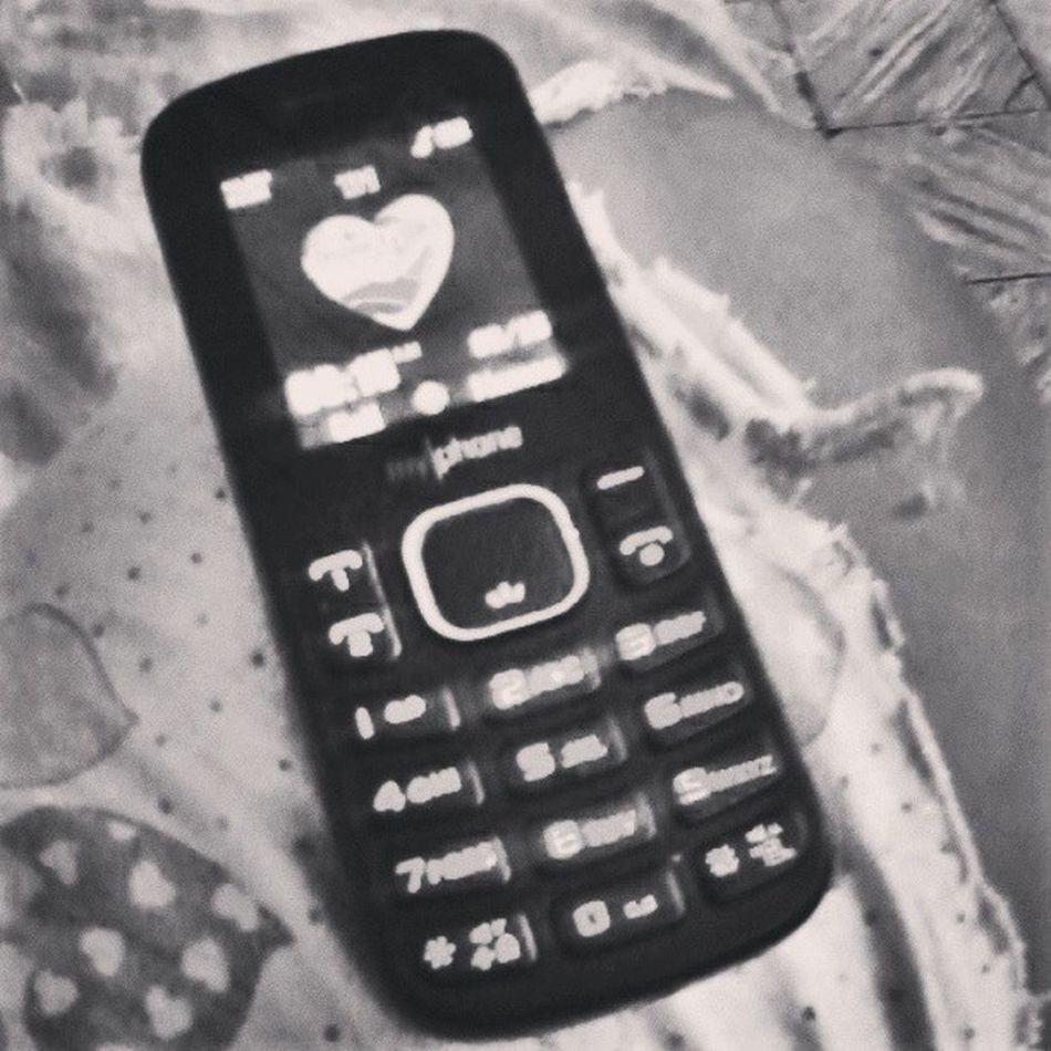 Laban ba kayo sa cellphone ko? Daming apps nyan lol Myphone Otherphone Trip Sunday tired