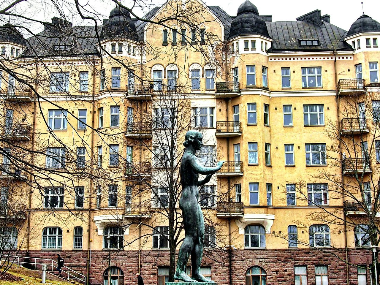 Statue House Architecture Balcony 'builder' Viktor Jansson 1931 Father Of Tove Jansson Scenery Streetshot Helsinki Kaisaniemi Park Streetshooter