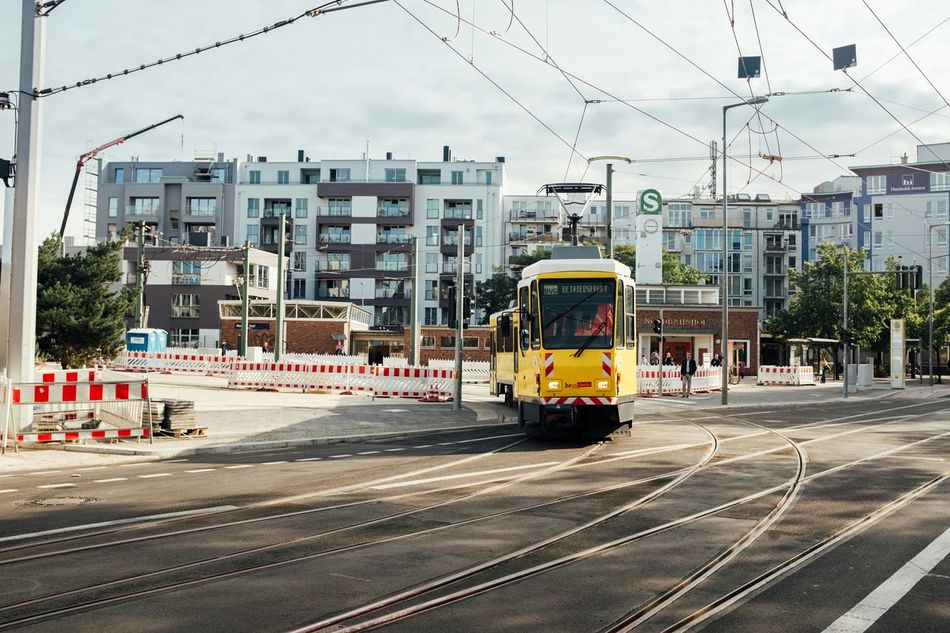 First tram (test drive) reaches the Invalidenstrasse. After 6 years of construction of this construction site comes to an end. From next Saturday around 4 clock the first M10 tram runs to Hauptbahnhof Berlin Tram Invalidenstrasse Nordbahnhof Hauptbahnhof Streetphotography Street Trainspotting Tatra Kt4d