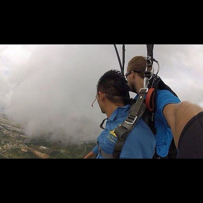 パラシュート開いて余裕ぶってますw Sky Guam Gopro Skydive Webstagram Hafaadai グアム スカイダイビング ソラトビ