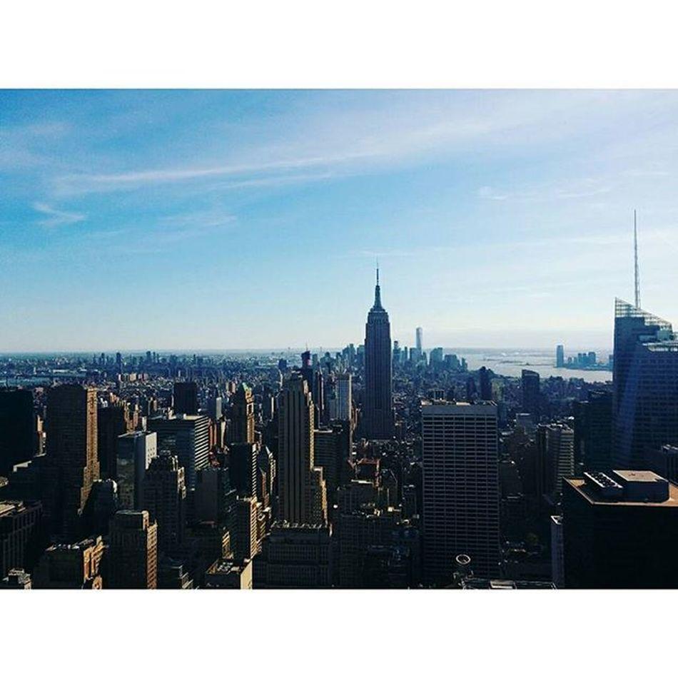 From the silent beautiful mountains, to the the city that never sleeps! 😍🌃 NYC Rockafellercenter Newyork Newyorkcity Empirestatebuilding Explore LiveYourAdventure