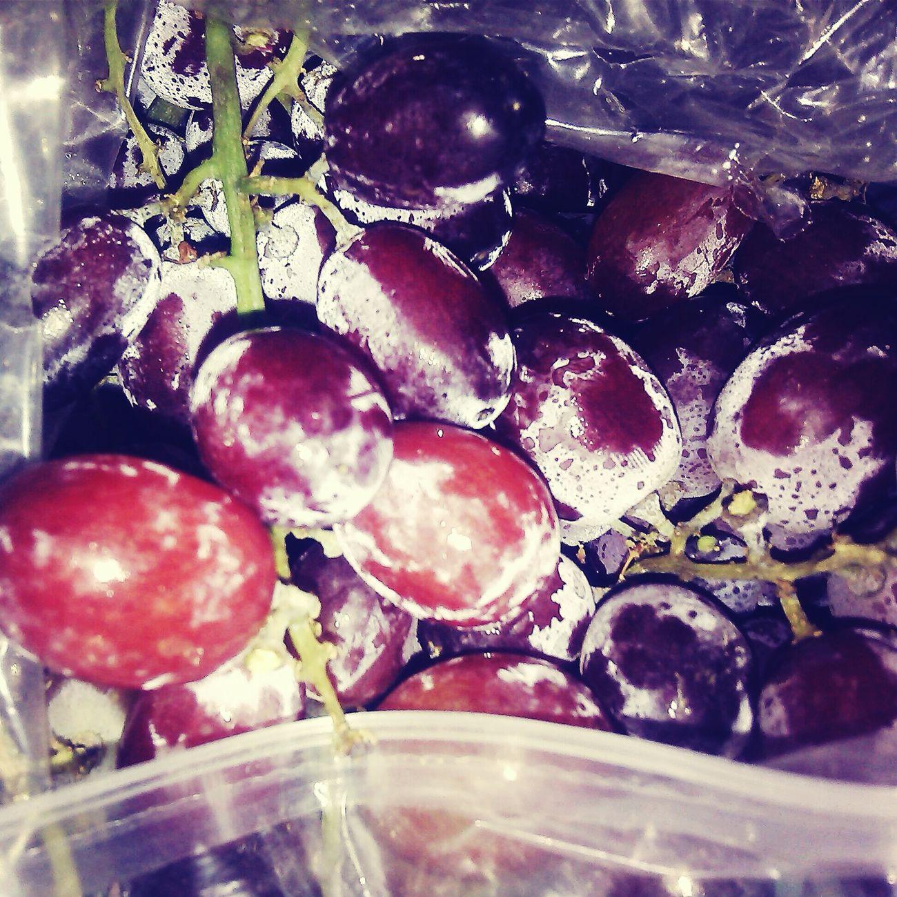 Grapes. Vscom Ilovefood Fresh Fruits