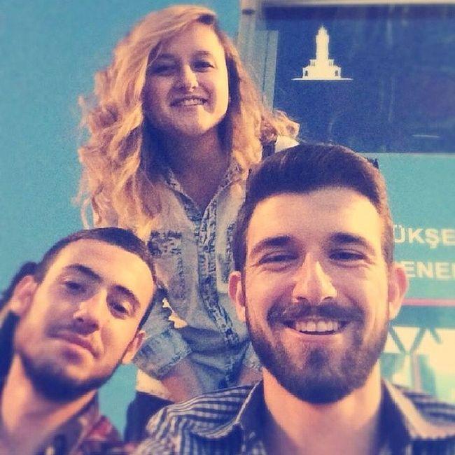 Evka3 Metro İstasyonu Bize Her Yer Foto Çekilmek İçin Uygun Selfie Smile Smile Smile