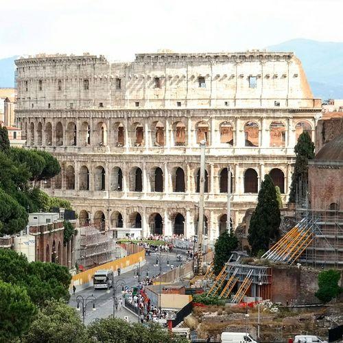 Colosseum Seeing The Sights Rom Rome Roma Roman Ruins Meet Rome Ancient Rome Colosseo Kolosseum Colosseum