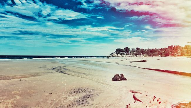 Matras Beach, Bangka Belitung, Indonesia. Photography Photo Editing Light Leak Check This Out View Indonesian Street (Mobile) Photographie Bangkabelitung Explore Bangka Explorebangka Bangka Bangka Belitung Bangka Island Mobile Photography Light Leaks Photooftheday INDONESIA Morning Beachphotography Beach Beach Photography Beach Life Lightleak Photoshot