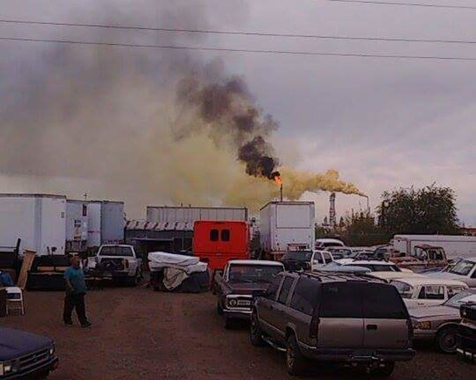 "2016 Suncore Refinery ""Yellow Plume"" Commerce City, Colorado ENVIRONMENTAL HAZARD as it was happening. 911 Accidents And Disasters Day Destruction Epa HAZMAT Cleanup HAZMAT EMERGENCY Hazmat Team Firefighters Help Land Vehicle Outdoors Sky Smoke - Physical Structure Social Issues Sulfer Transportation"