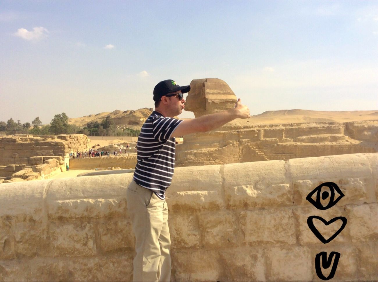 Funny Picture Funny Pictures Funny Pics Funny Kiss Sphynx Egypt Pyramids Pyramids At Giza Giza Adventure Hug Hug And Kiss Kisses Travel Photography Vacation Photos   Vacation Traveling Fun Travel That's Me Check This Out Enjoying Life