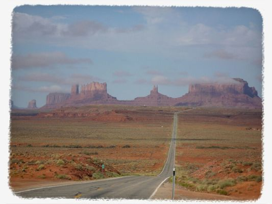 Monument Valley by grainofsand