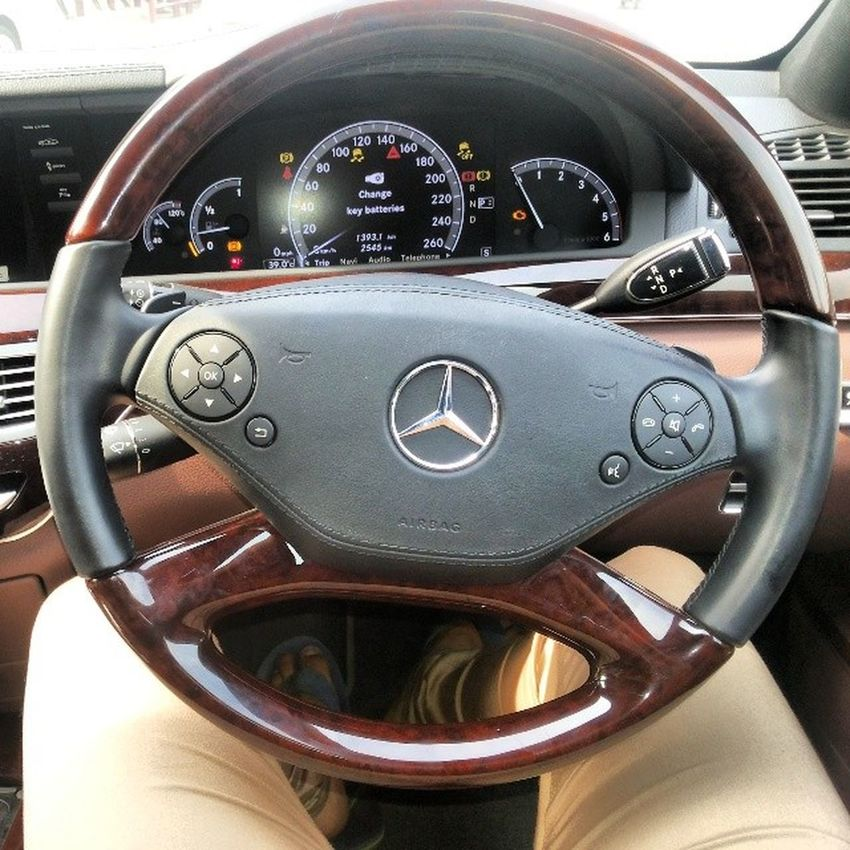 Just the symbol is enough¤Mercedes S-classAwsum carBliggerant featuresLoved riding itLuxury at its best
