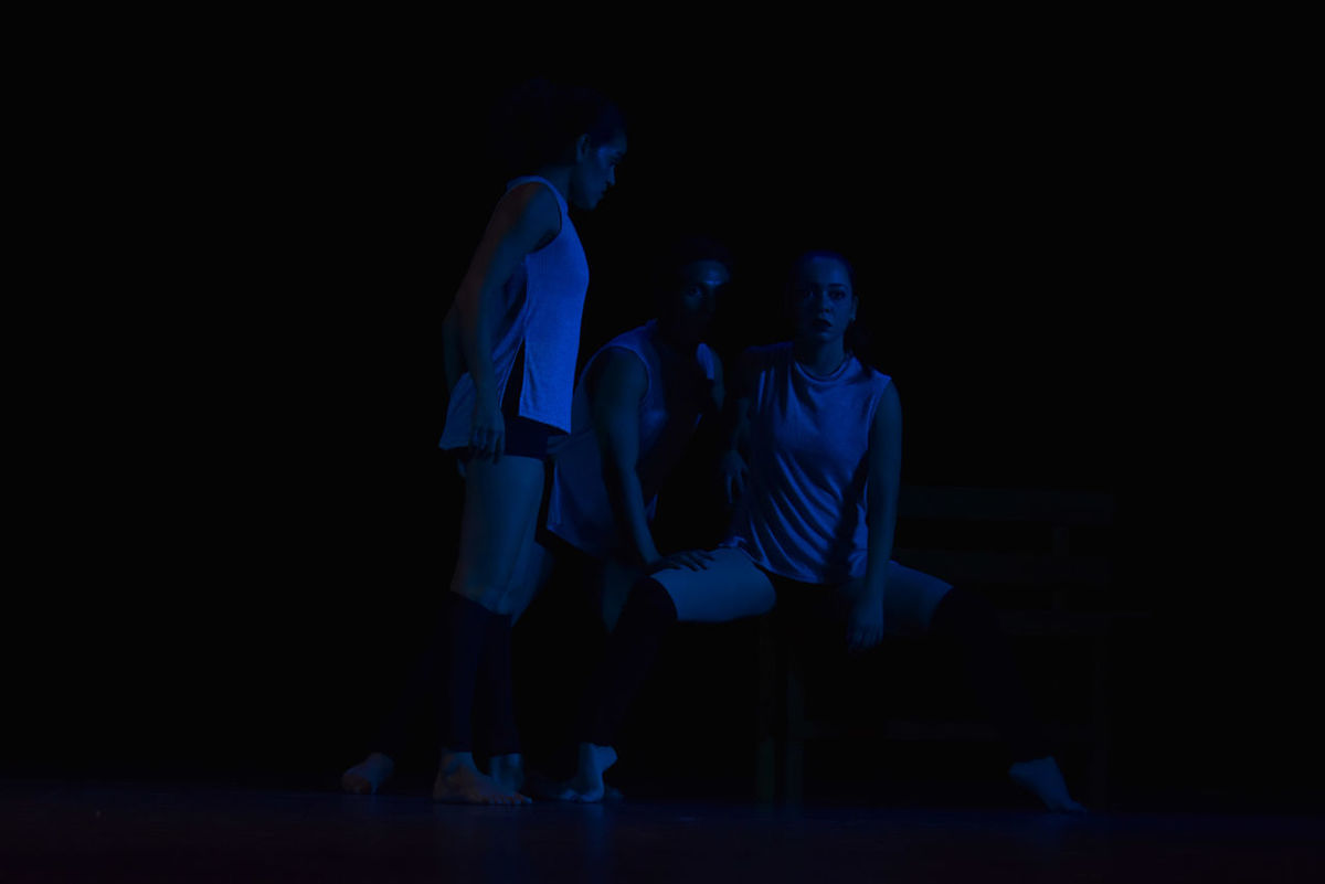"""La danza es la metáfora favorita del mundo"" Adult Adults Only Black Background Contemporary Art Dance Dancing Full Length Indoors  LumiereStudios Night People Standing Young Adult Young Women"