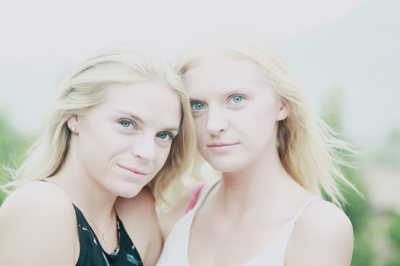 Beautiful Woman Blond Hair Blonde Blue Eyes Couple Family Friends Friendship Girls Looking At Camera No Makeup Pale People Portrait Pretty Real People Sisters Together Togetherness Twins Two Two People Women Young Adult Young Women