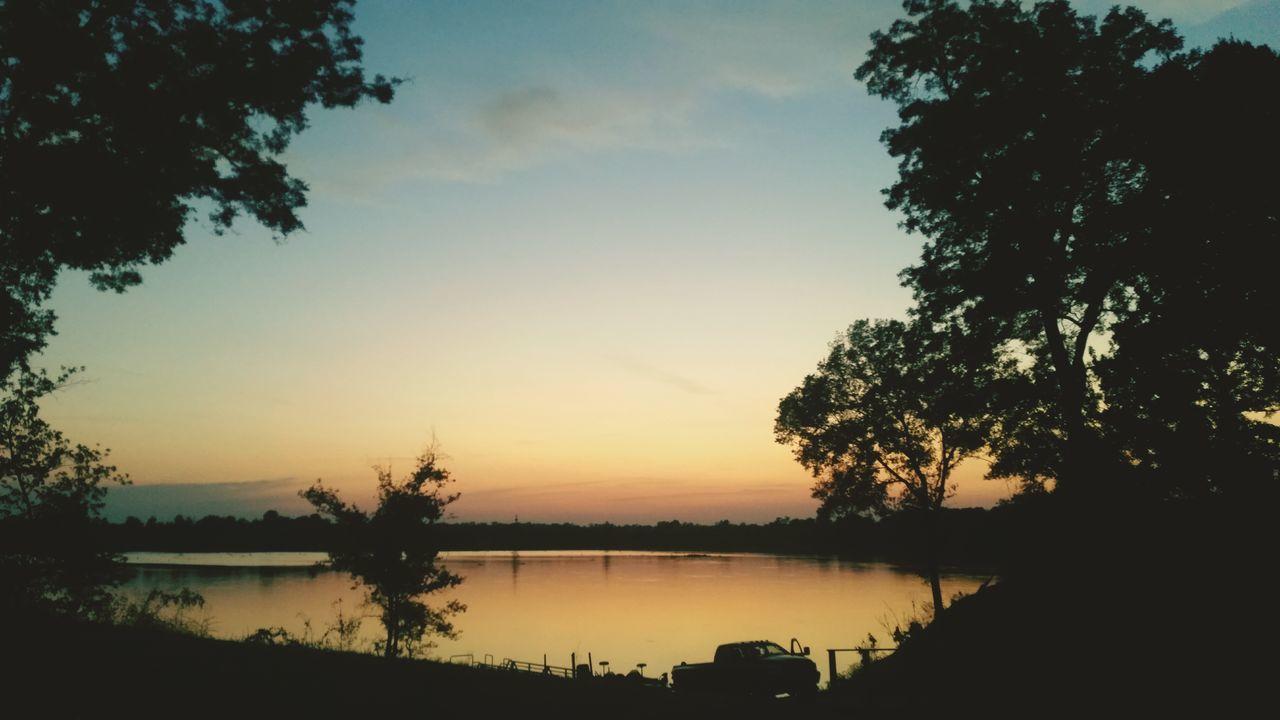 Sunset Silhouettes Sunsetporn Sunset Lake