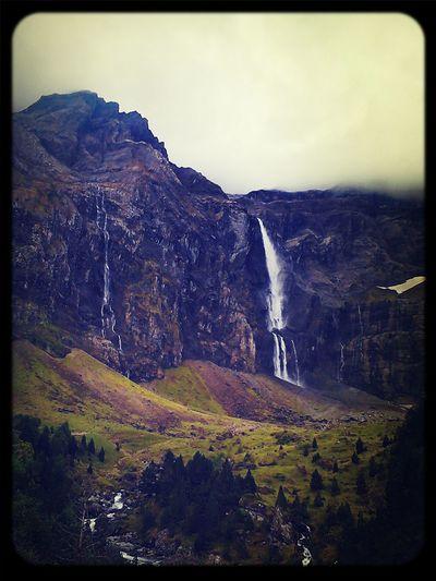 Montains    Cascade Wild