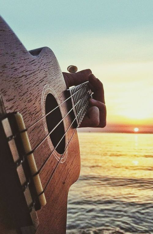 In Loveeeee 💕💕 Guitar Love Playing Guitar Music ForGod PraiseGod Love ♥ Love Violão