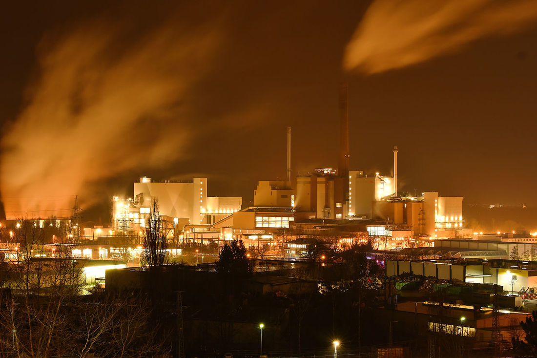 Industrial Industrial Photography Industry Kraftwerk Müllverbrennung Müllverbrennungsanlage Stromerzeugung Architecture Building Exterior Built Structure Bulb Bulbs City Cityscape Factory Illuminated Industry Iso100 Langzeitbelichtung Night No People Outdoors Powerplant Sky Smoke Stack