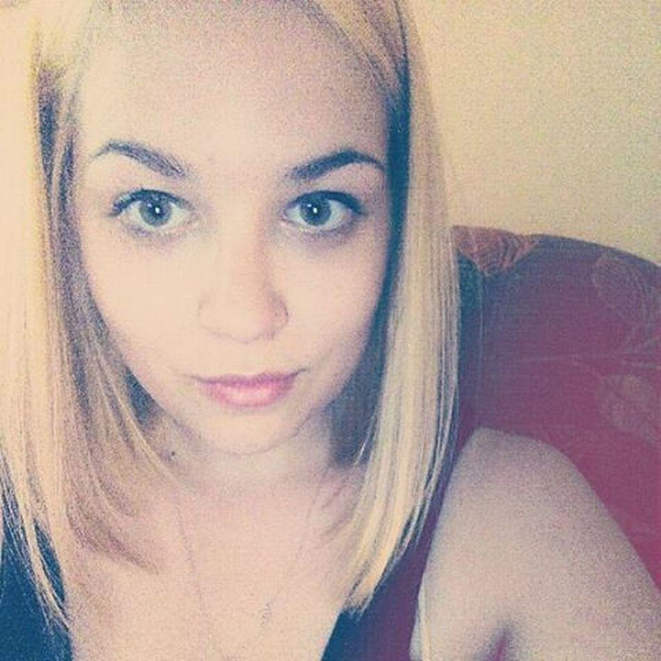 NewLook New Hairstyle Blonde Mediumhair Bobhaircut