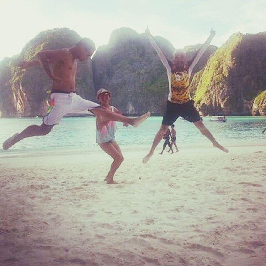 Fooling around 😂😂😂 Jumpshot Crazy Friends Friendship Traveler Krabi Thailand Backpacker Beachbums Gayfriends Funmoments Laughter Happiness Beach Life Beachaddict Sunlover Freedom