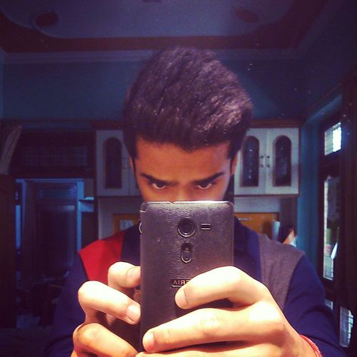 Someone told me I'm not good enough. Does it look like I care?? Dont trust looks… :-P Its Me People Selfie Potrait Bored SelfieInMirror Light And Shadow
