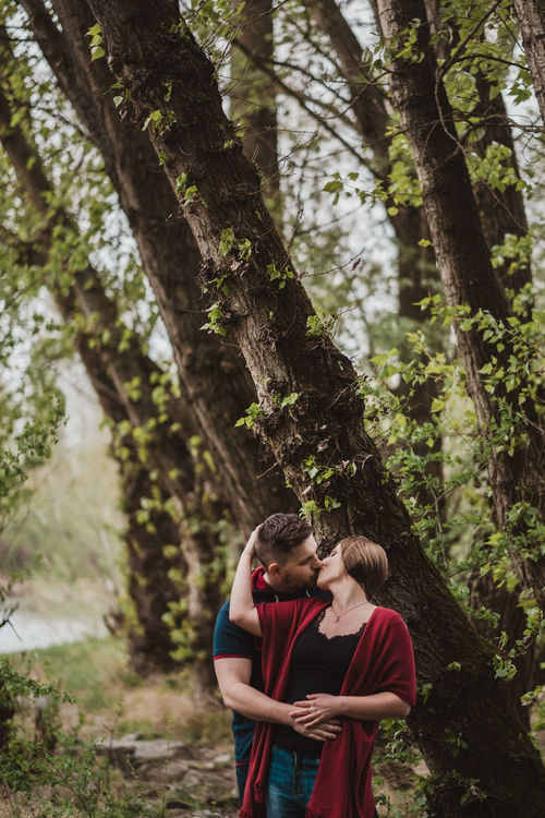 Two is better than one Arm Around Bestoftheday Couple - Relationship Fujifilm Love Nature Outdoors Real People The Week On EyeEm Togetherness Tree Two People Young Adult Young Women