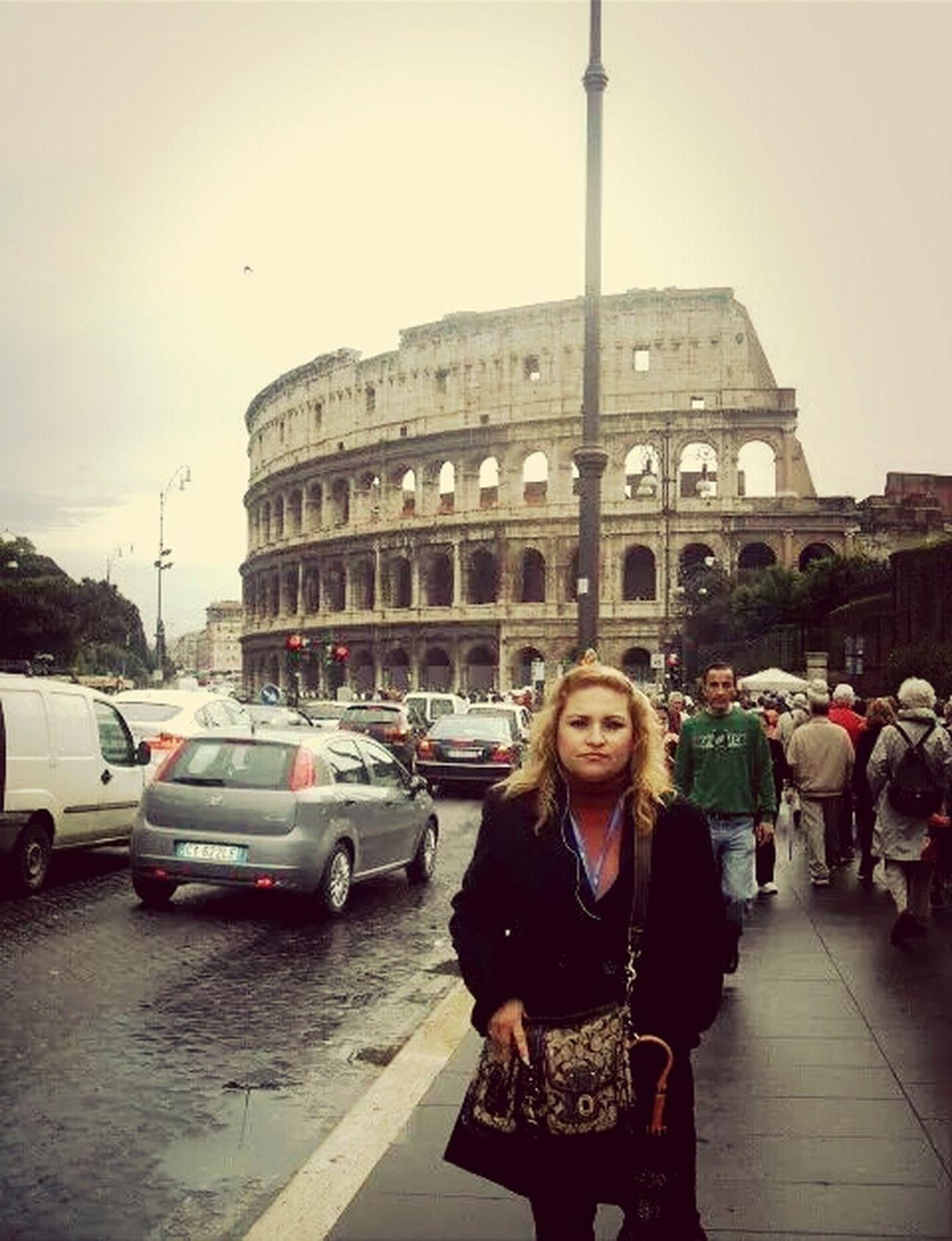 Coliseo Romano That's Me Hello World Happy Vacation
