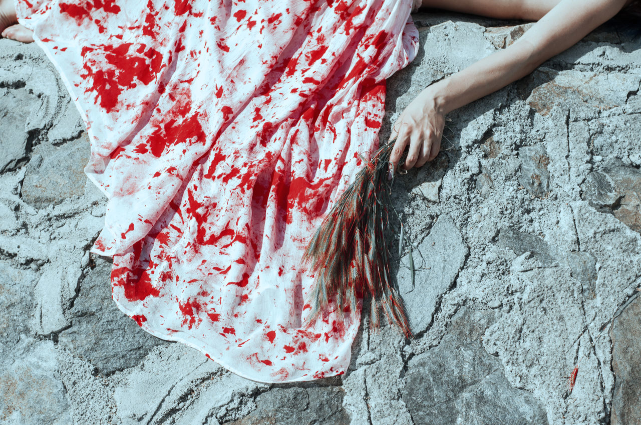 Forgotten Day Eye4photography  EyeEm Best Shots EyeEm Gallery Human Hand One Woman Only Outdoors Paint People Real People Red Sadness Women