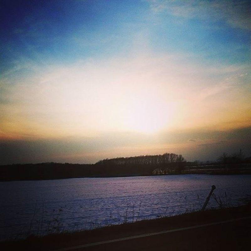 なおのしんphoto 峠入り口からの夕陽 みなさん、素敵なイヴを~🎄🎅🎄⛄🎁💕