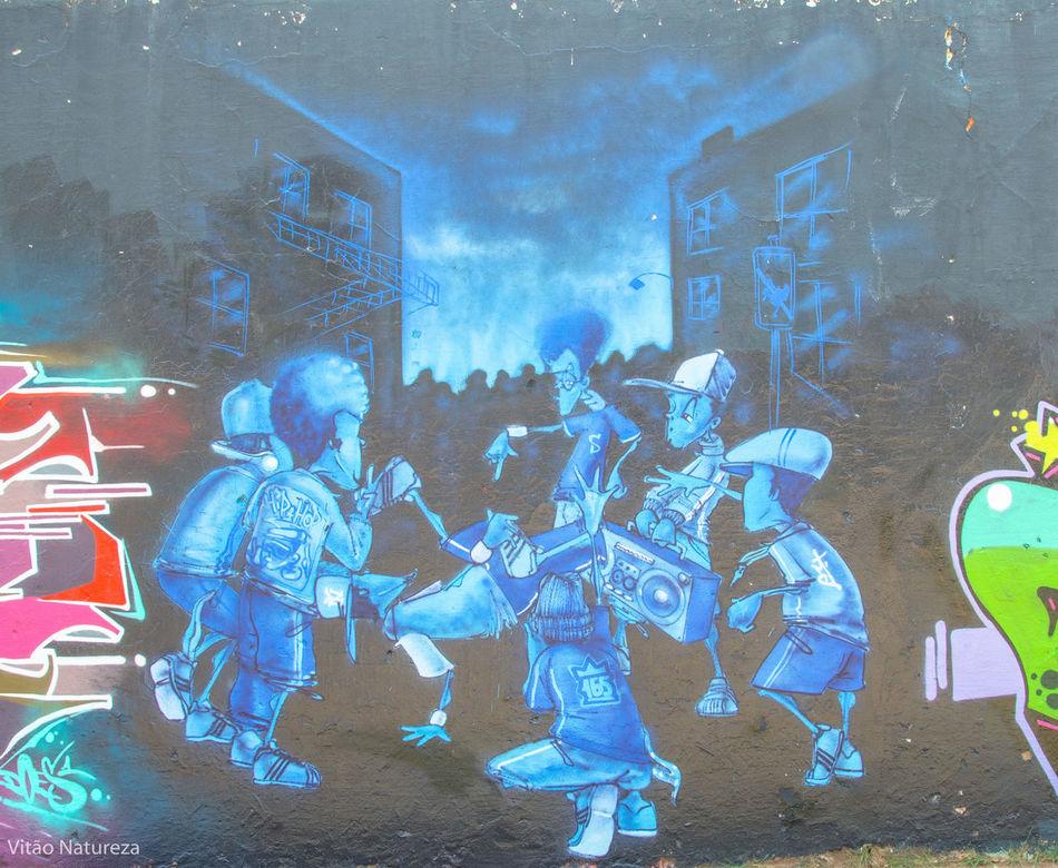 HipHop Grafitti Streetphotography Streetart Hiphopemaçao Universodacor Photoart Nikonphotography Fotografiaderua Victornatureza Vitaonatureza Olharnatural Poeticadacidade Artefotografia Photography