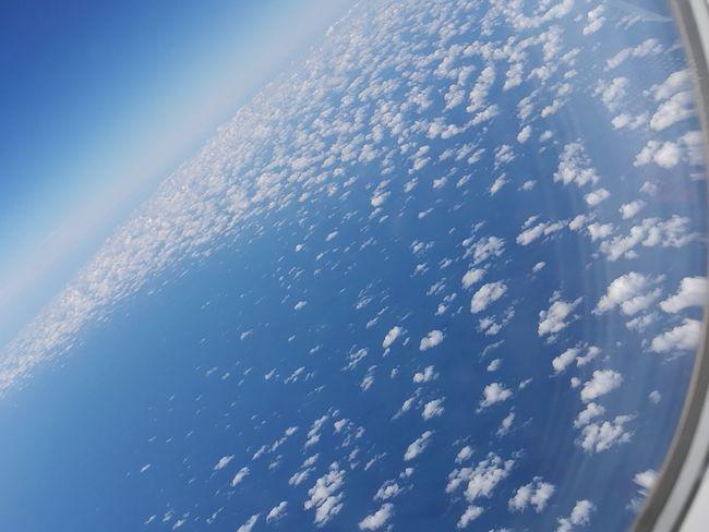 Cielo Azul Y Nubes Avion