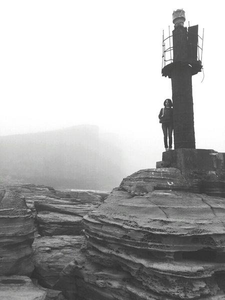 Vladivostok Hello World VL туман Маяк Мыс Тобизина накраюсвета скалы море👻🌊 городуморя любимый мыс Тобизина 💜