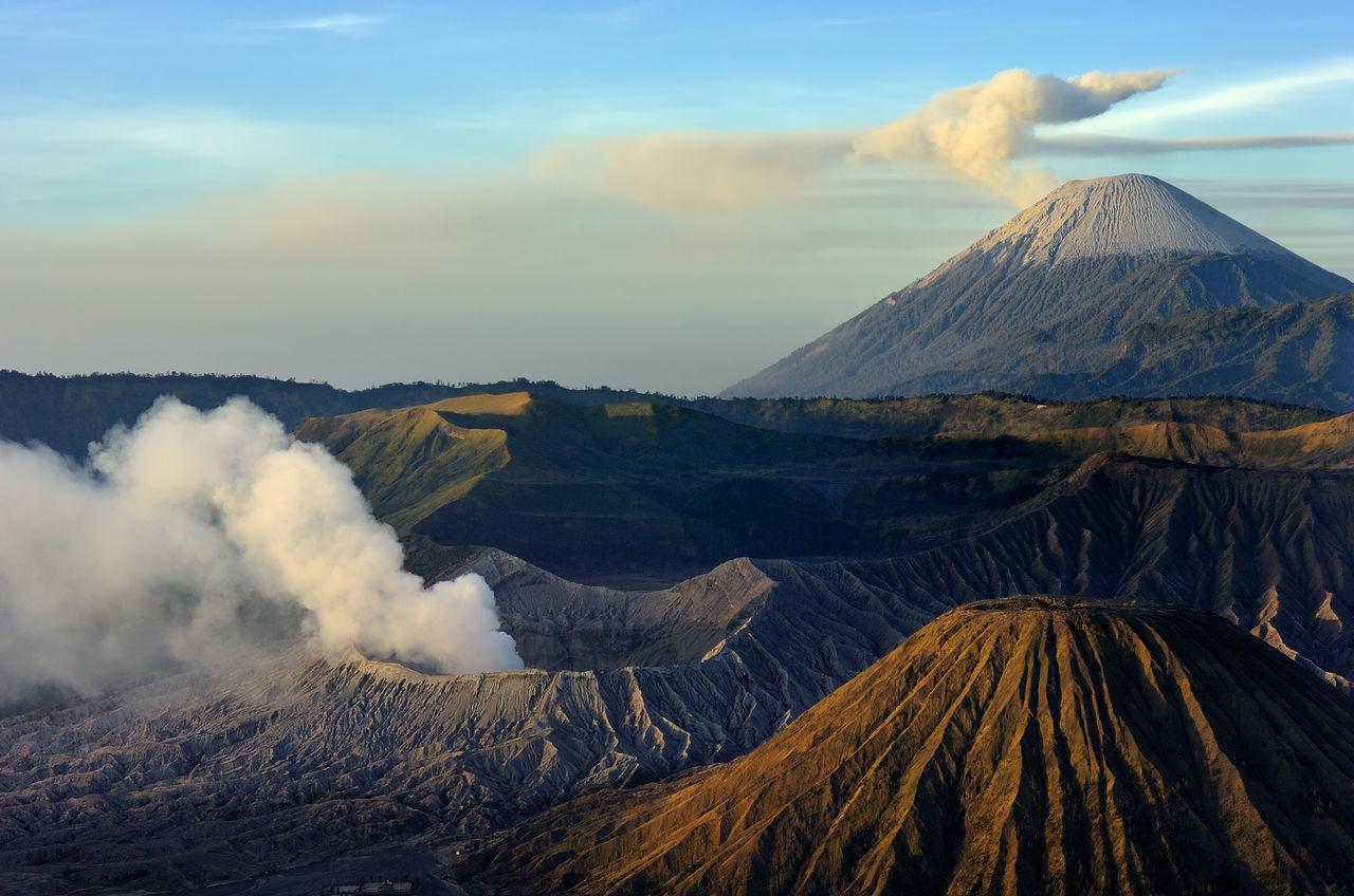 Naturelovers Volcano Landscape Dramatic