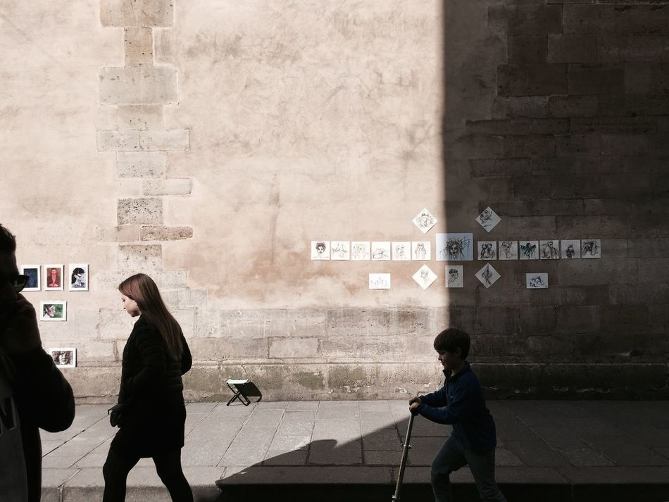 ArtWork Old Buildings Old Walls Children's Portraits Child Building Exterior Lifestyles Architecture Outdoors Art On The Wall Art On The Street Patrimone