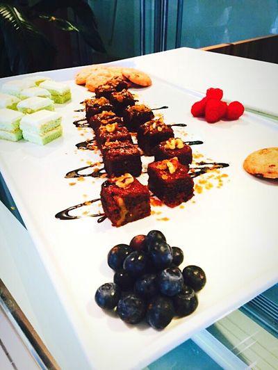 Sharing platter Gourmet Thesapling Foodphotography Foodpornshare Foodporn Sweet Food Dessert Meal Serving Size Foodart FoodShareTheMeal