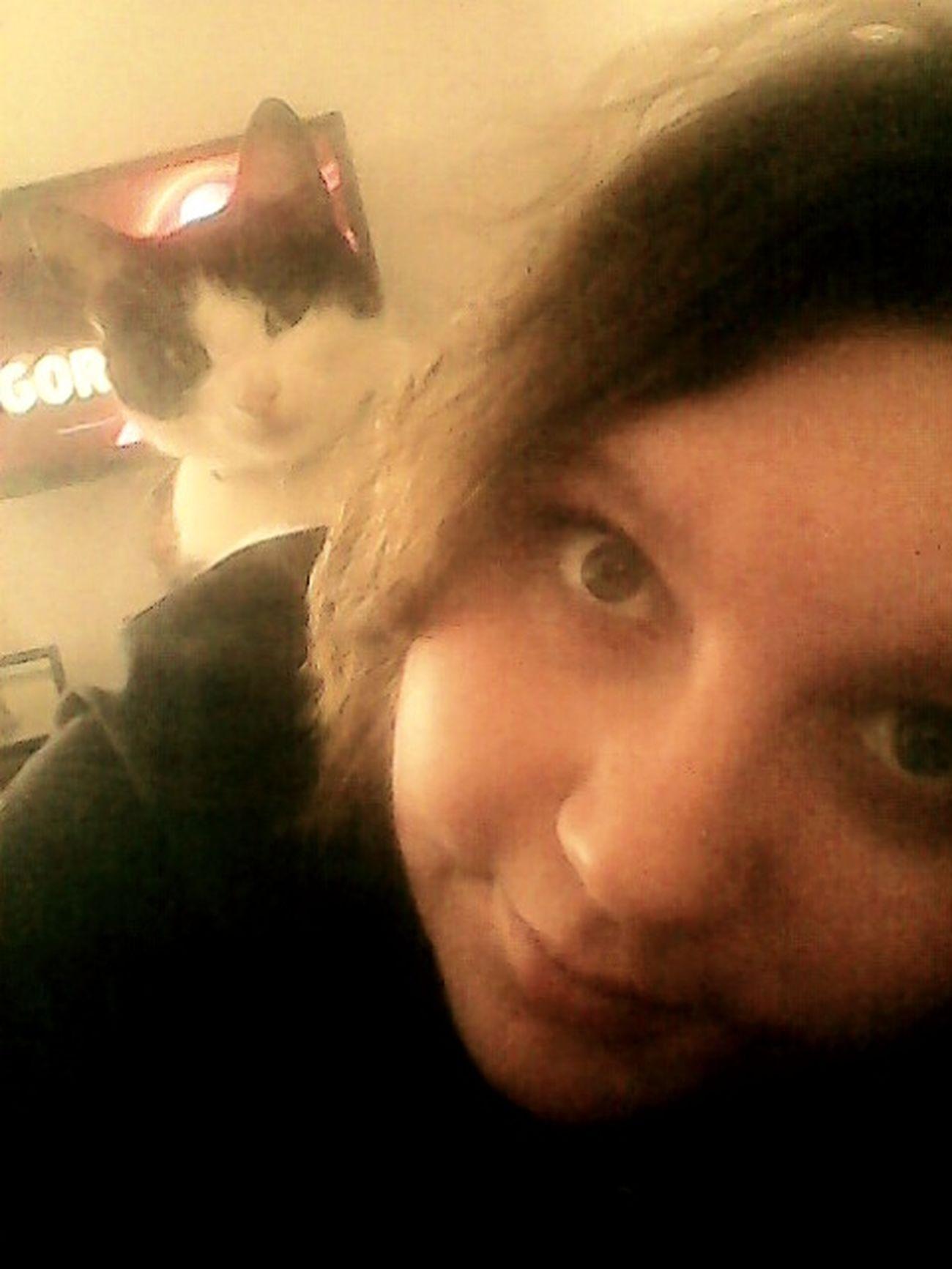 Me & Cat Relaxing Smile Tv ??