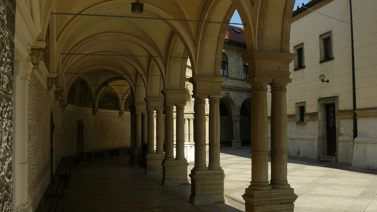 architecture, architectural column, history, built structure, arch, corridor, indoors, no people, day