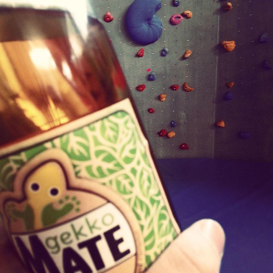 Supporting Berlin companies, drinking Gecko Mate @bertablock. Bouldering Relaxing