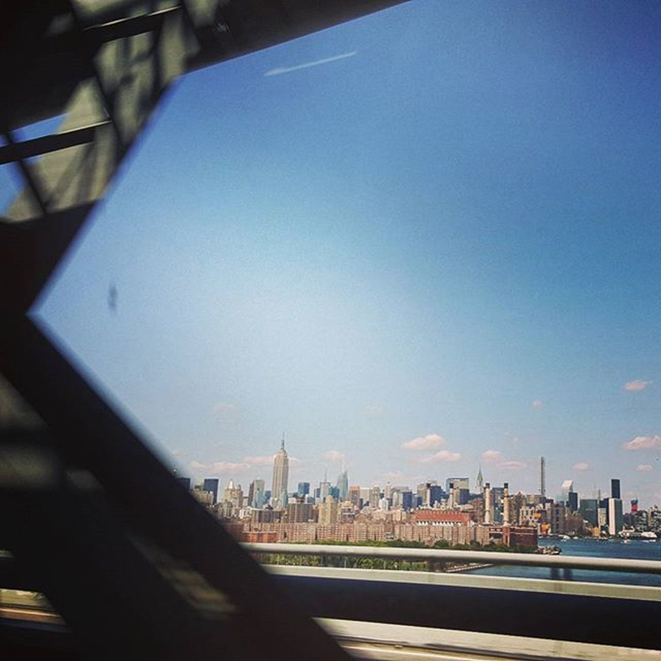 crossing Williamsburgbridge ☆☆☆ Prettyview Alwaysmyfavorite Manhattan NYC Empirestatebuilding