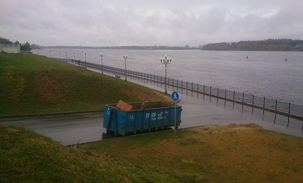На набережной Рыбинска. город пейзаж река Urban Landscape River Outdoors No People Water Sky