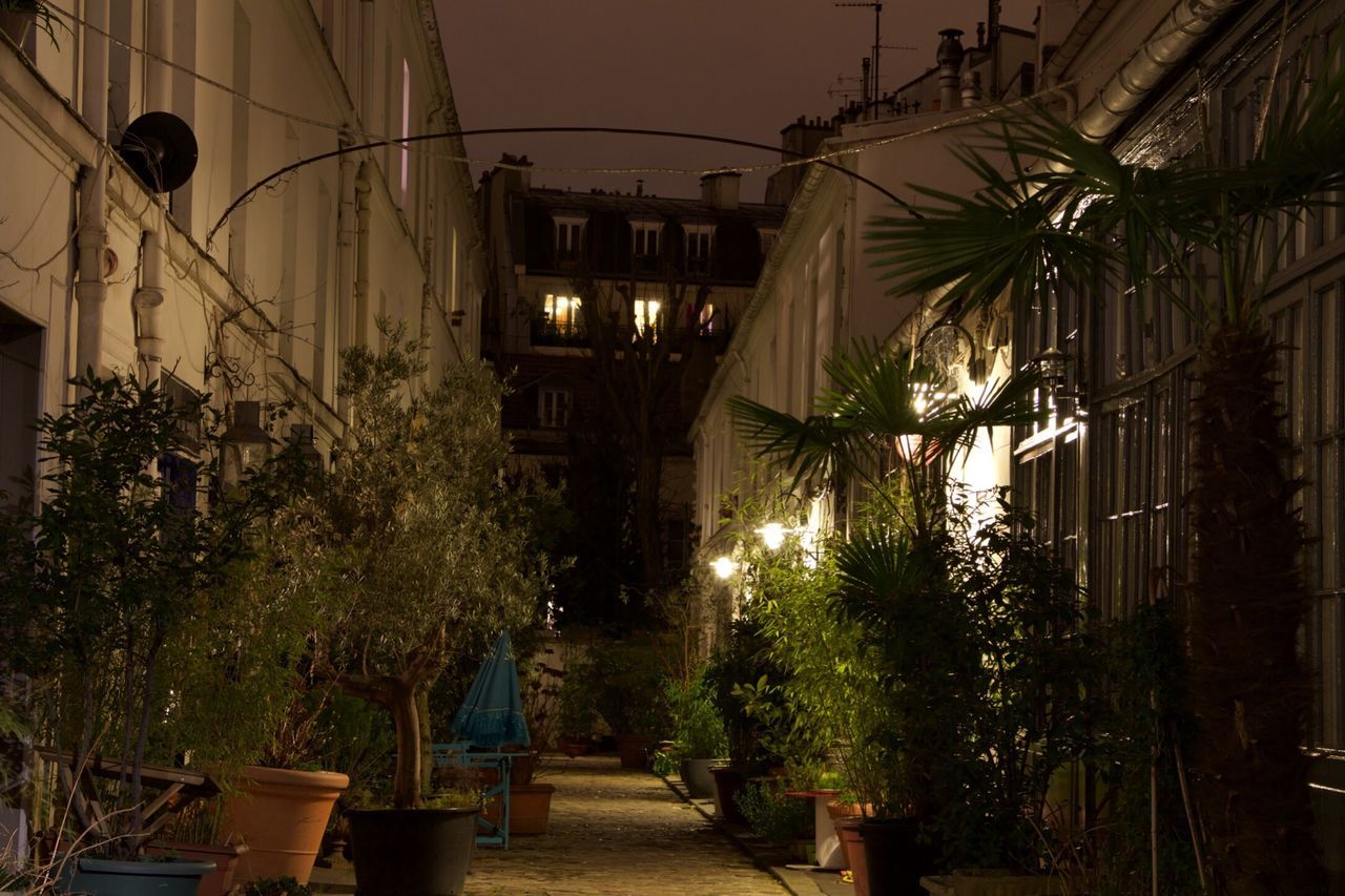 Paris By Night Street Home Paris, France  Paris 17e House