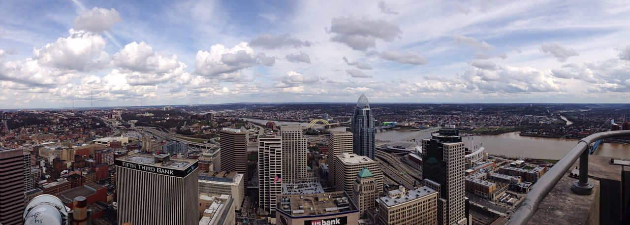 View from the carews tower in Cincinnati Ohio River Cityscapes City Scenery Panoramic Carew Tower Cincinnati Ohio, USA Ohio The Great Outdoors - 2017 EyeEm Awards The Architect - 2017 EyeEm Awards