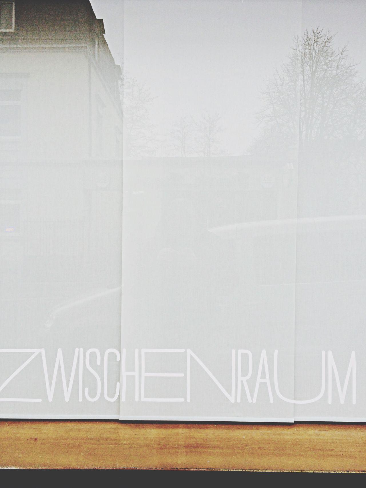 Zwischenraum. Zwischenraum Window Windows Streetphotography Photography