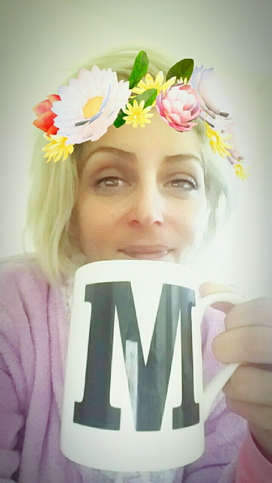 But coffee first ☕😉 Selfies Coffee M Mug Letter Smile Smiling Butfirstletmetakeaselfie  Butfirstcoffee Snapchat Filter Pijamas Morning Coffee Colours Blonde Bobhaircut Bobhair Bobhairstyle Haircut Hairstyle Nomakeup Nomakeupselfie NoMakeUpOn Coffee At Home Coffeelover