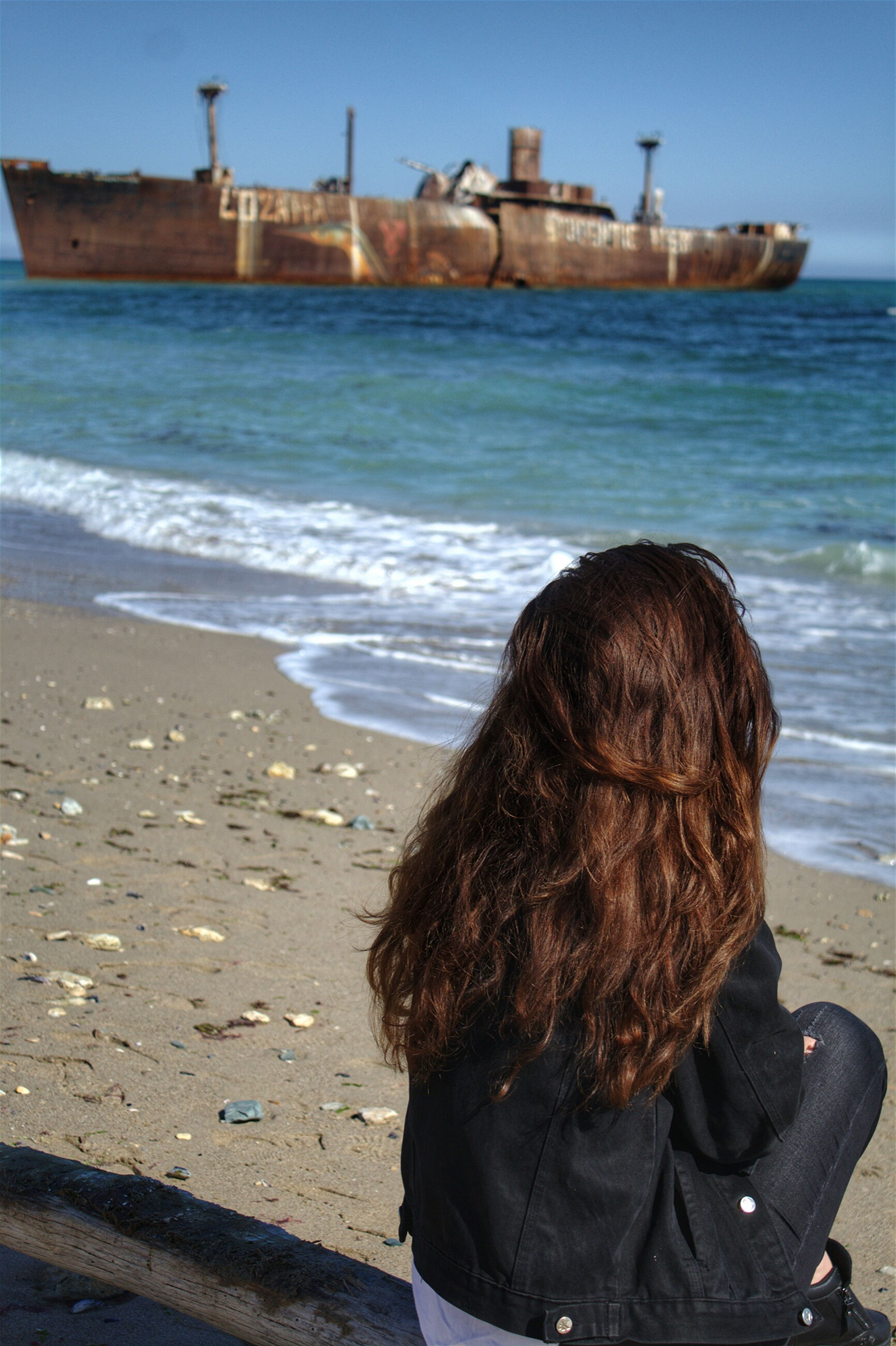 sea, long hair, beach, real people, water, one woman only, women, one person, day, wave, outdoors, close-up, only women, sky, people, adult, adults only