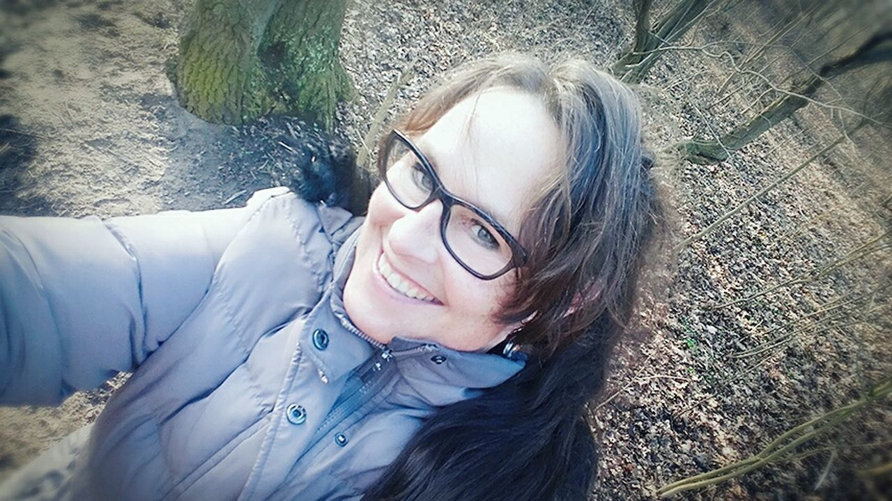 Smiling Toothy Smile Happiness Outdoors Hello World Taking Photos Photooftheday Winter 2017 Check This Out Enjoying Life Nederland Nature Thats Me  OpenEdit Forrest EyeEm Best Edits Clouds And Sky Cold Temperature Nederlands Places I've Been EyeEm Best Shots Naturephotography Photography Landscape Tree