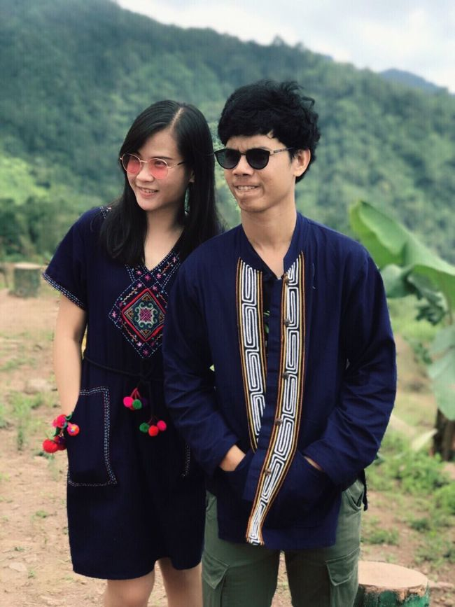 Real People Young Adult Young Women Lifestyles Outdoors Front View Day Casual Clothing Standing Leisure Activity Togetherness Two People Nature Mountain Landscape Adult People จุดชมวิว ภูทับเบิก Love ♥ 😉😊😚👫