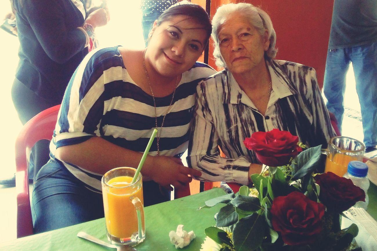 Mygrandma♥♥ Abuelita!! 😍😍😍 10mayo FelizDiaDeLasMadres 💚💚👠