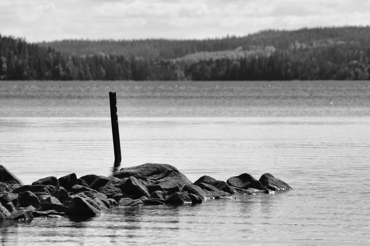 Lake view - Black & White Black And White Calm Exceptional Photographs EyeEm Best Shots - Black + White EyeEm Masterclass First Eyeem Photo Hello World Lake Monochrome Photography Nature Non-urban Scene Ocean Remote Rock Rock - Object Scenics Sea Shore Solitude Taking Photos Tranquil Scene Tranquility Water Waterfront