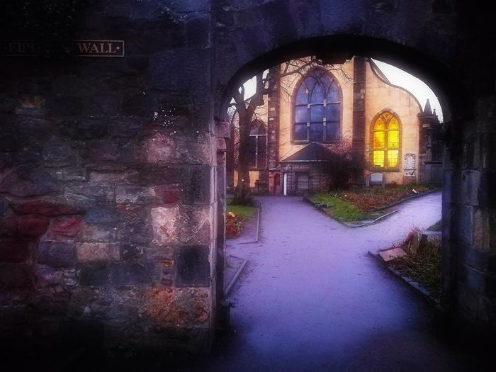 Flodden Wall Greyfriars Kirkyard Edinburgh Huawei P9 Leica Built Structure Architecture HuaweiP9 Huaweiphotography Building Exterior Architecture Scotland 💕
